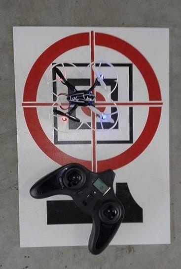 atterrir cible entrainement drone joystick