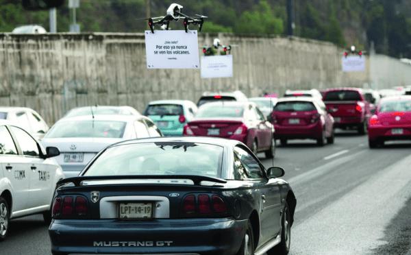 drone advertising uber pilote publicité drone-vertising